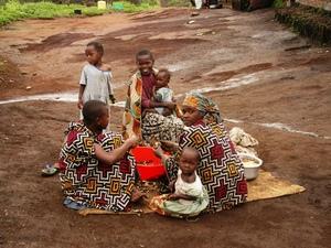 25B - Congo - casave schoonmaken