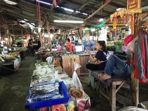Kad Tung Kwian markt
