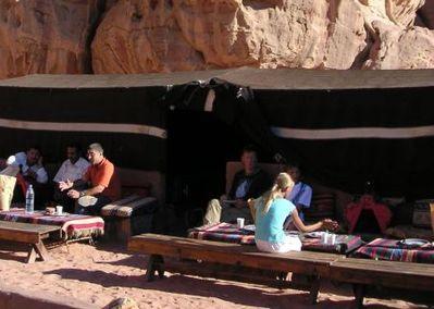 Jordanie tentenkamp woestijn Djoser