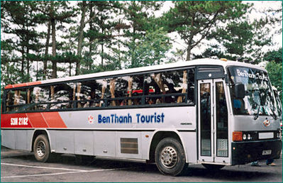Vietnam bus buitenkant rondreis Djoser