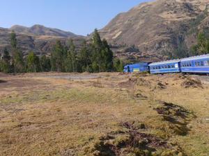 De trein op weg naar Machu Picchu