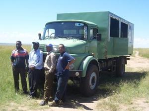 Nairobi - truck en crew