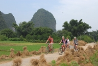 Yangshuo Guilin karst fietsen China Djoser