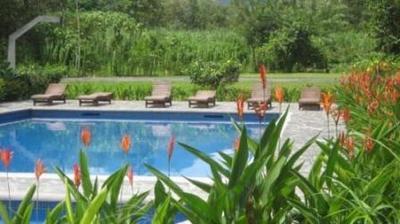 Costa Rica hotel accommodatie zwembad overnachting Djoser