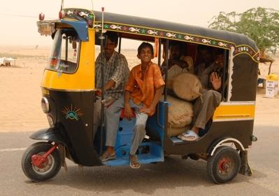 Gemotoriseerde riksja India Djoser