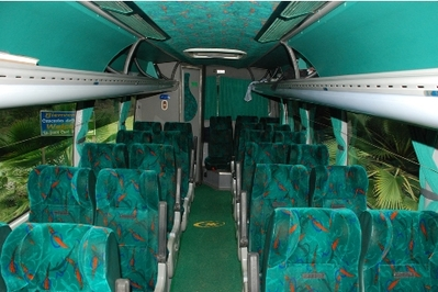 Colombia bus vervoersmiddel binnenkant Djoser