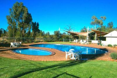 Australië hotel accommodatie zwembad overnachting Djoser \