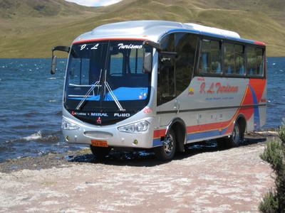 Ecuador Galapagos bus vervoersmiddel Djoser