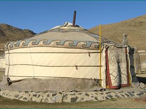 In Mongolië mag een nachtje in de ger niet ontbreken.