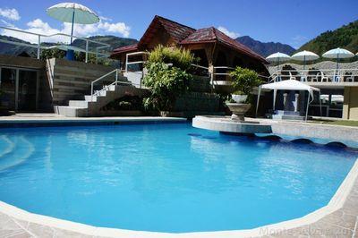 Ecuador Hotel Accommodatie zwembad Djoser
