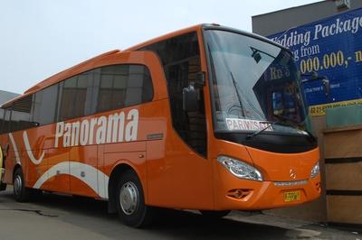 busvervoer voorkant Indonesië Djoser