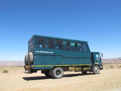 Truck Namibie hotelreis zijkant