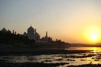Taj Mahal bij zonsondergang Agra India Djoser