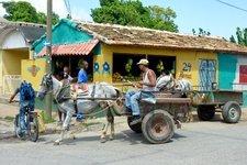 paard en wagen straatbeeld Trinidad Cuba Djoser