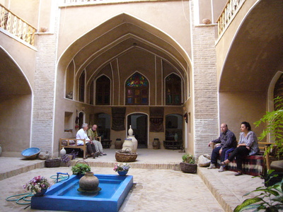 Iran binnentuin accommodatie Djoser