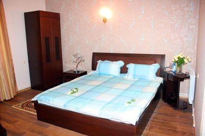 Armenie en Georgie hotel kamer accommodatie Djoser