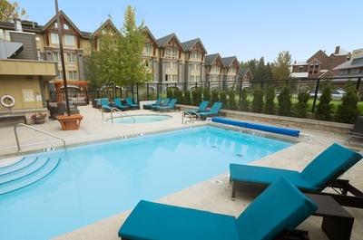 Canada hotel accommodatie overnachting Zwembad Djoser