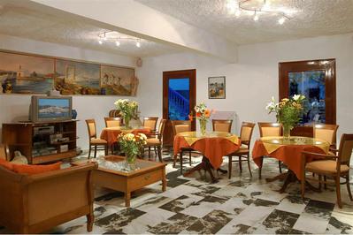 Griekenland hotel overnachting accommodatie lobby Djoser