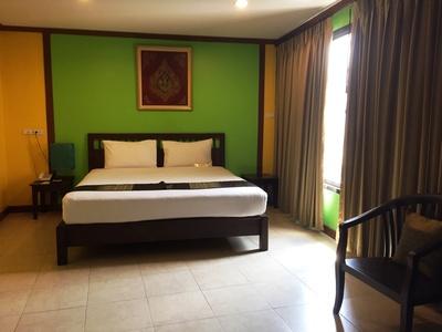 Hotel Boonsiri Place kamer Bangkok Thailand Djoser