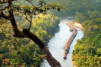 Junge Rafts River Kwai Kanchanaburi Thailand Djoser