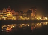 Gdansk Djoser Boulevard nacht met lichtjes Polen