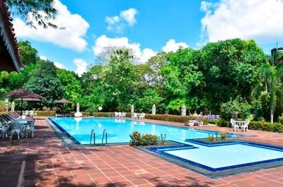 Sri Lanka rondreis hotel accommodatie zwembad Djoser