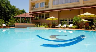 Park View Hotel Hue Pool Djoser kookreis Vietnam
