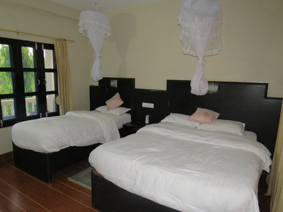 Chitwan Rhino lodge kamer overnachting Hotel Djoser