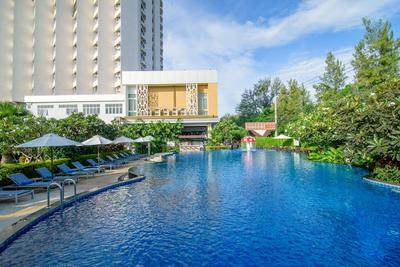 Golden Beach Cha-Am Hotel zwembad Hua Hin Thailand
