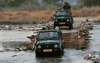 India - Corbett nationaal park jeeps (internet)