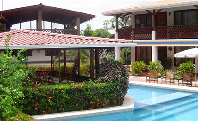 Costa rica hotel accommodatie overnachting zwembad Djoser