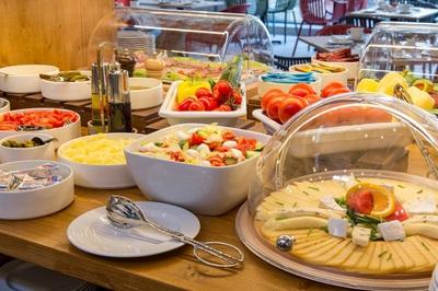 Ontbijt Anna hotel Boedapest Hongarije