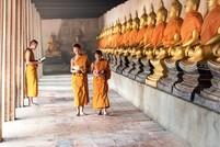 Monniken boeddha Ayutthaya Thailand