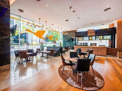 kuala lumpur ibis hotel bar