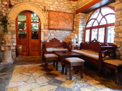 Hotel Mangalemi restaurant Berat Albanie
