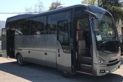 Vervoer in comfortabele bus met airco