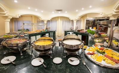 Isis Corniche Hotel ontbijt Aswan Egypte