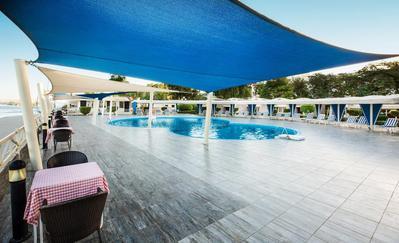 Isis Corniche Hotel zwembad Aswan Egypte