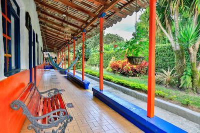 Hotel Mi Monaco veranda Armenia Colombia