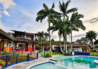 Hotel Mi Monaco zwembad Armenia Colombia