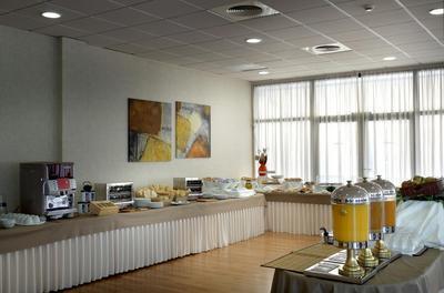 Hotel Exe Sevilla Palmera ontbijt Sevilla Spanje