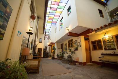 Hotel Los Aticos hal Cusco Peru