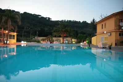Hotel Paradiso zwembad Piazza Armerina Italie