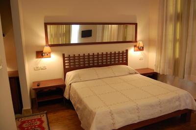 Hotel Mangalemi kamer Berat Albanië