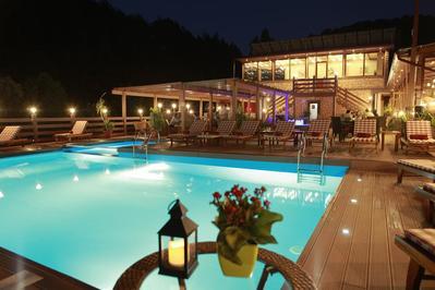Best Western Paradise zwembad Dilijan Armenie