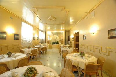 Ontbijtzaal hotel Nuovo Rebecchino Napels