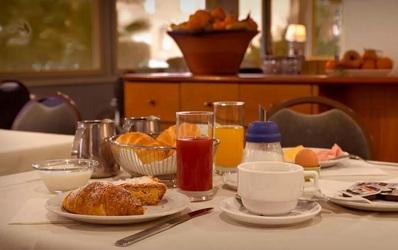 Hotel Mistral 2 ontbijt Oristano Sardinie