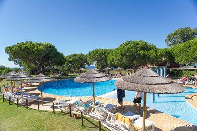 Hotel Pedra dos Bicos zwembad Albufeira Portugal