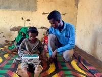 Jongen tablet Soedan UNICEF