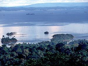 Brownsberg - uitzicht op Brokopondomeer